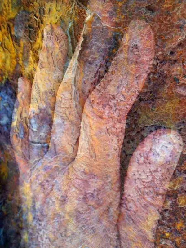 The rust makes a wonderful background for a transparent hand.